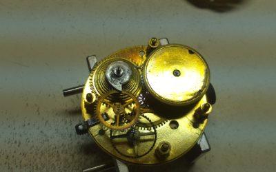 Ancienne montre à fusée